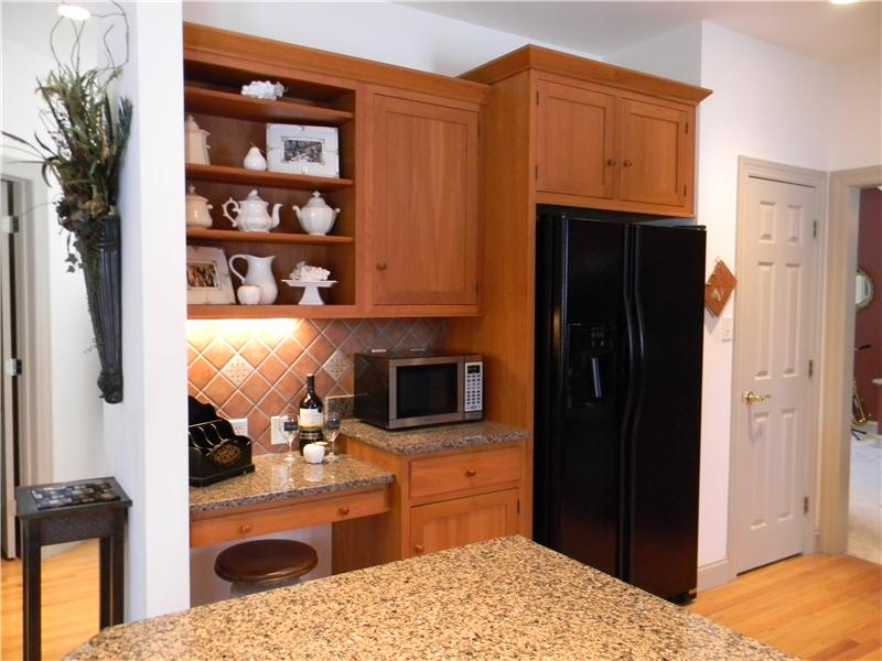 Kitchen with nice size pantry